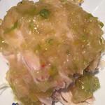 蓬溪閣 - 蒸し鶏葱油ソースかけ いつもよだれ鷄とどちらにするか迷いますが今日は辛くないほうで
