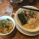 まるきんラーメン - まるきんラーメン チャーシュー炊込みセット