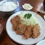 とん一 - 料理写真:'20/03/07 ひと口かつ定食(税込800円)