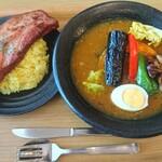スープカレーハウスしっぽ - 料理写真:厚切りグリルドベーコンカレー