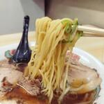 さかえ食堂 - 麺のリフトアップ。
