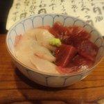 京すし - 鉄火とイナダの「はーふ&ハーフ丼」