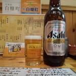 鳥もと - ビールの大瓶¥7001人deカンパ~イ♪