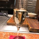 神戸牛 鉄板焼 リオ - スパークリングワイン