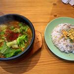 ニコット - 料理写真:トマトとナスカレー 十穀米セット