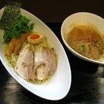 まるきや翔華 - 豚とお魚つけ麺(900円)