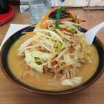 ラーメン まるとも - 料理写真:味噌タンメン700円
