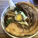 桂花ラーメン - 太肉一本盛2020円、見た目も凄いがお値段も異常なニトリ超えのメニュー。太肉の脂領域がヤバいと思いました。