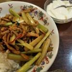 126958387 - 2020/2/23 セロリと干し豆腐ごはん