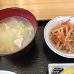 からあげ酒場 たこしん - 小鉢と玉子スープ