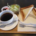 高知アイスカフェ よさこい咲都 - ホットサンドセット 638円(税込) (2020.2)