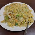 長秀龍 - 料理写真:海鮮と青菜チャーハン 白坦坦麺のセット 968円+飯大盛り110円