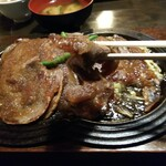 牛庵 - 「牛しょうが焼き」薄切りお肉アップ
