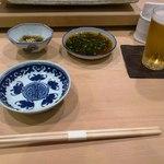 鮨 緒方 - 白木のカウンター