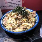 らーめんしょっぷ 中吉 - 料理写真:牛バラ肉のきのこバターソースぶっかけ