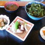 12699745 - 【海ぶどう丼定食…1,000円】◎2012/4