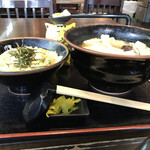 甲州麺 - 真横から