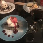 ボート カフェ - 赤ワインとスイーツ