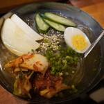 焼肉 鐵 - 冷麺 820円