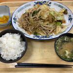 中郷サービスエリア(下り線)フードコート - 肉野菜炒め定食 820円