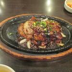 127013140 - 「とん豚焼肉定食」(930円)