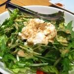 12702986 - 豆富と水菜のサラダ 550円♪