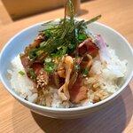 やまぞえ製麺所 - チャーシューハーフ丼200円