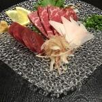 馬肉専門店 虎桜 - お勧め馬刺し三種盛り