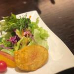 127029556 - パコラ(サラダとジャガイモの天ぷら)
