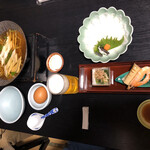 海の幸 魚長 - あなごフルコース 前菜など最初の配膳