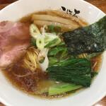 日本橋麺処こはる - 醤油ラーメン880円