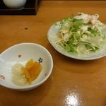 鮓忠 - 漬物とサラダ