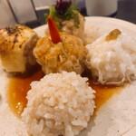 タマチャン - 焼売お任せ5点盛り(もち米、イカ、オニ、チーズ、ガーリック)