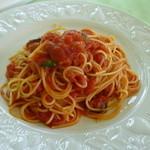 ベルヴェデーレ - イタリア産オーガニックトマトのトマトソーススパゲッティ 1,000円