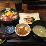 咲くら - 桜鯛・かつお・しらす葱まみれ丼とさわらの西京焼き  1,000円