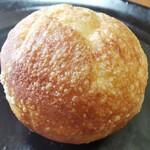 月猫亭 - 料理写真:塩バターロール ¥93