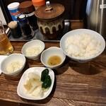 調布 かつ元 - タルタルソース、定食のご飯、漬け物