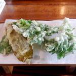 そば処 春来てっぺん - 山菜の天ぷら