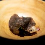 エクアトゥール - 天然の真鯛と筍のミルフィーユ トリュフのビネグレットソース