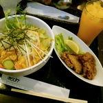 12707794 - サラダ丼とオレンジジュース