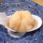 縁China - 黒豚ビーム小籠包(まずスープを飲んで)
