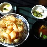 127083037 - かき揚げ天丼と茶碗蒸し