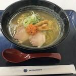 札幌鮭ラーメン麺匠 赤松 - 料理写真:和こく鮭だし塩880円
