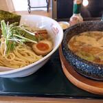 塩尻餃子食堂 - 料理写真:石鍋魚介つけ麺~☆