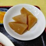 中華 たむら - 【2020.3.9(月)】みそ焼きセット(並盛)1,100円の煮大根