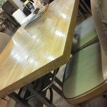 ビアンカ - 201204 ビアンカ テーブルと椅子はこんな感じ.jpg