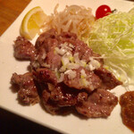 じんりき厨房 - 豚カシラ