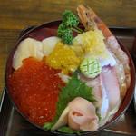 12711853 - 海鮮丼です