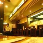 とんかつ KYK - ヾ(>ω<*)店内(2012.04月 撮影)