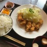 127136328 - カキフライ定食